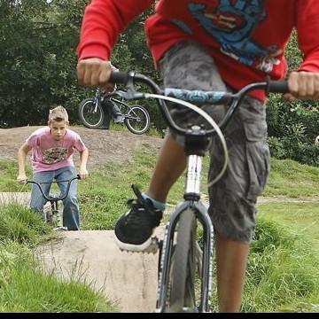 Jong Zuid: werken aan de fietscrossbaan