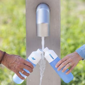 Feestelijke opening watertappunt Nieuwlande